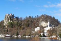 lago-castello-e-chiesa